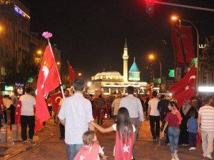 Konya'da darbe girişimine tepki devam ediyor