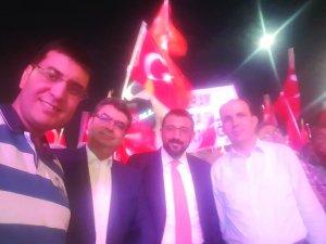 Uğur Başkan, Bakan Erdem ve siyasiler türbe önünde