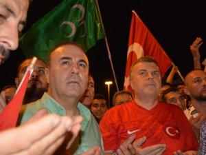 Atiker Konyapor yönetimi demokrasi yürüyüşüne katıldı