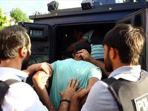 Darbe Girişimi Soruşturmalarında Tutuklu Sayısı Bin 690'a Ulaştı