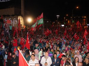 Konya'da demokrasi nöbeti devam ediyor