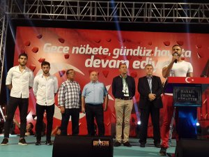 Konyaspor'dan demokrasi nöbeti