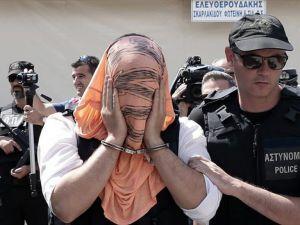 Yunanistan'a Kaçan Darbeci Askerler Atina'ya Sevk Ediliyor