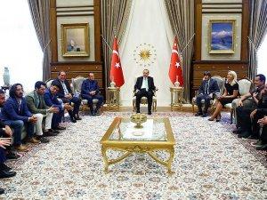 Erdoğan sanat ve spor camiasından isimleri kabul etti