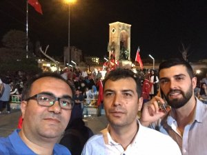Hukukçu Mehmet Yavaş ile Fatih Derebağ Taksim'de