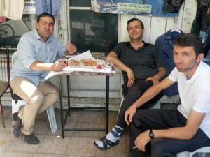 Ahmet Turhan dostları ile Bozkır'da