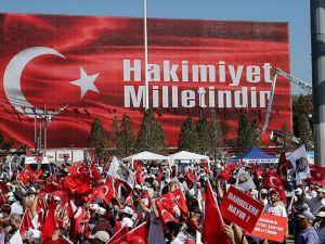 Chp'liler 'Cumhuriyet Ve Demokrasi Mitingi' İçin Taksim'de