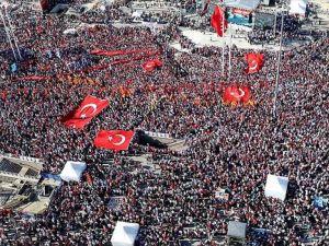 Darbe Girişimi 'Cumhuriyet Ve Demokrasi' Mitingi İle Protesto Edildi