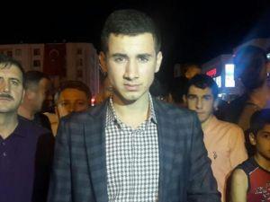 Cumhurbaşkanı Erdoğan'ın Alnından Öptüğü Genç Simge Oldu