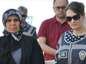 Fetö Soruşturmasında Aranan Aliye Boydak Adliyede