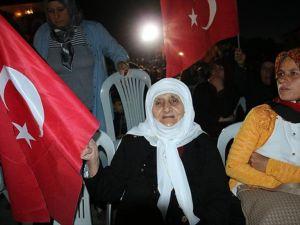 Veyis Dede Ve Gürcü Nine De 'Demokrasi Nöbeti'nde