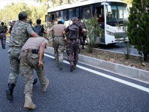 Marmaris'te Yakalanan 7 Darbeci Askerden 2'si Tutuklandı