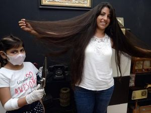 10 Yıldır Uzattığı Saçını Lösemili Çocuklara Bağışladı