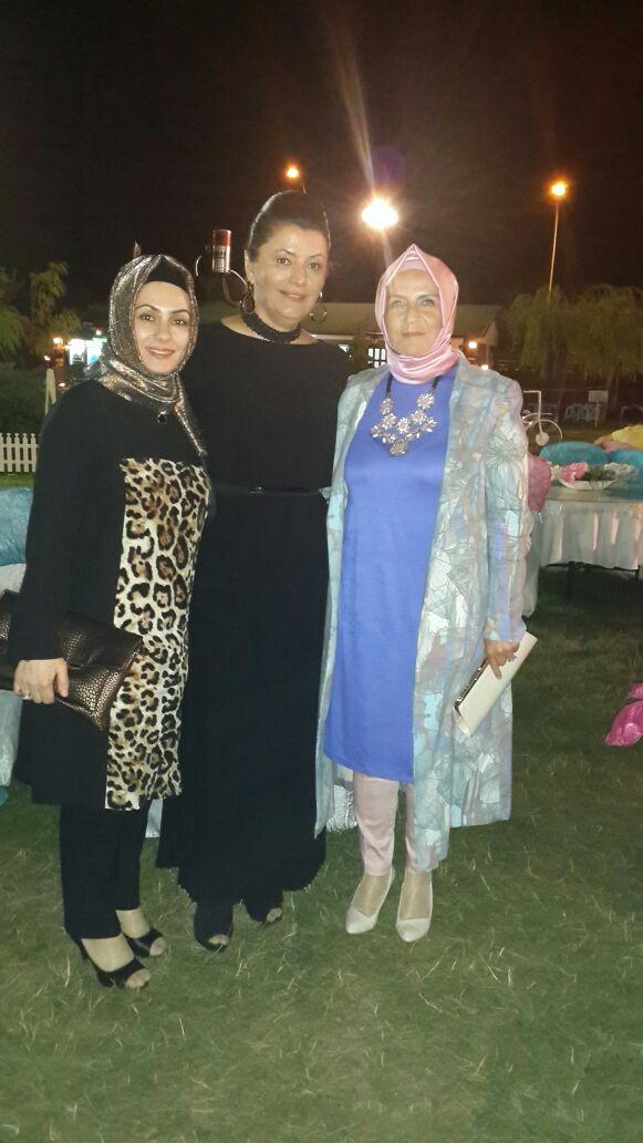 Gülseren ve Meltem Hanım Ayşe Türkmenoğlu ile birlikte