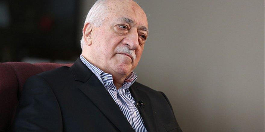 """Çok yardım toplayana """"Gülen'in namaz kıldığı seccade"""""""