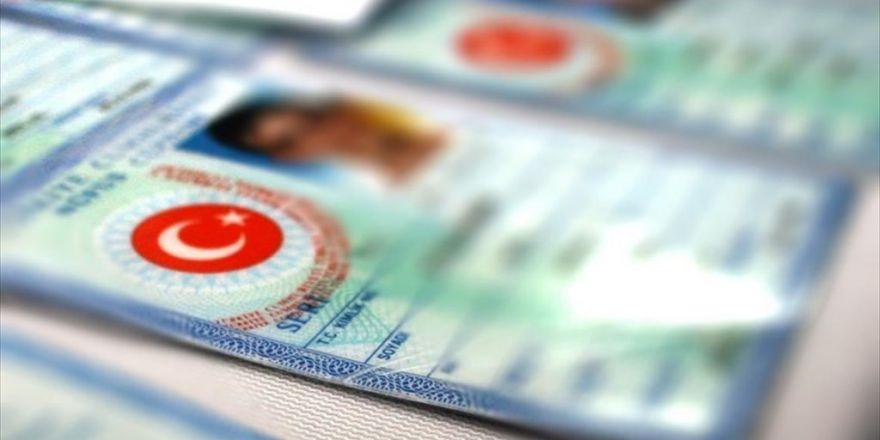 Fetö'den Aranan Savcı 17 Suçtan Aranan Sahte Kimlikle Yakalandı