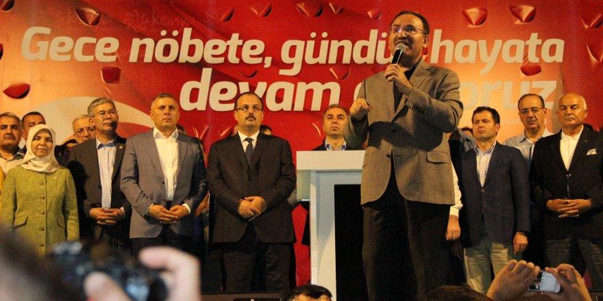 Konya'da Demokrasi Nöbeti Sürüyor