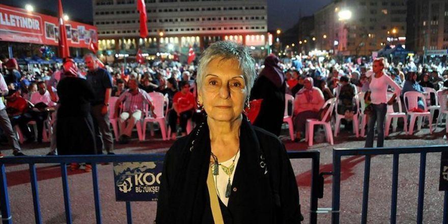 'Dedem Mehmet Akif Sanki Şu Günleri Görmüş De Yazmış'