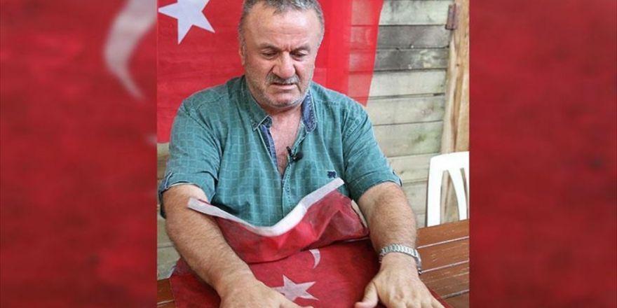 'Şehit Oğlumun Üzerindeki Kanlı Bayrağı Asla Yıkatmam'