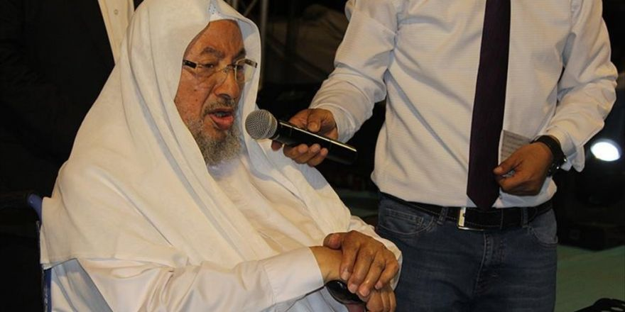 El-karadavi: Bu Kirli Darbeyi Allah Başarısız Kılmıştır