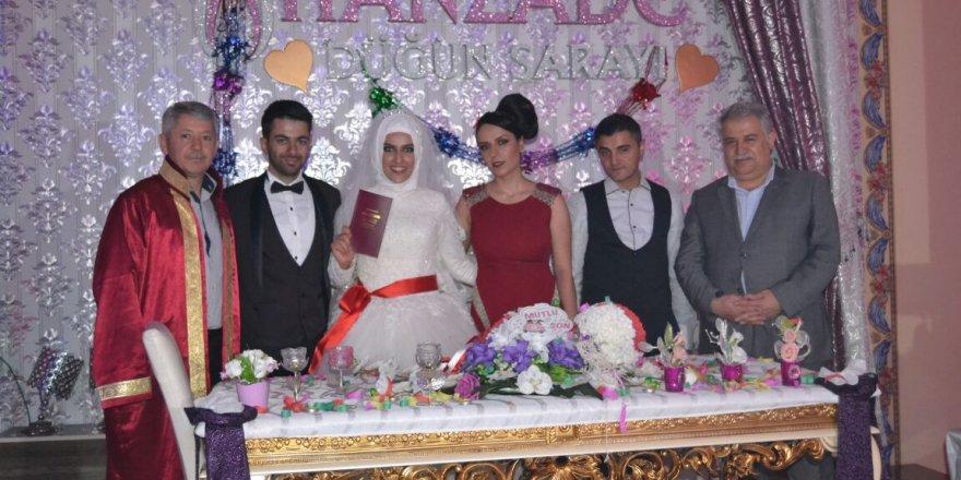 Rektör Muzaffer Şeker nikah şahitliği yaptı