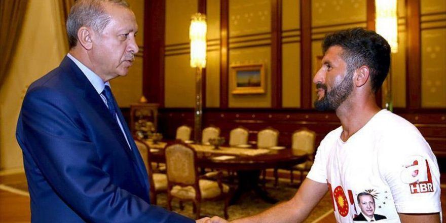 ı Erdoğan Uşak'tan Ankara'ya Koşan Genci Kabul Etti