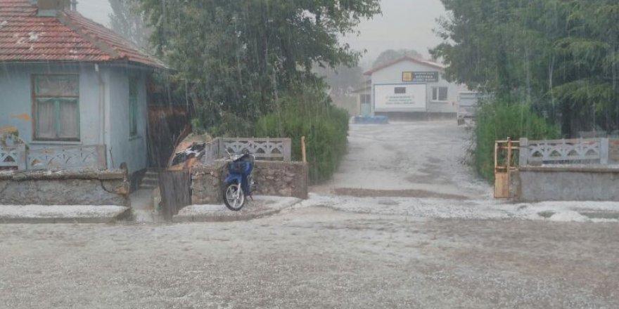 Beyşehir'de dolu yağışı