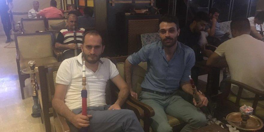 Hukukçu Önder Özer Corridor Kafe'de