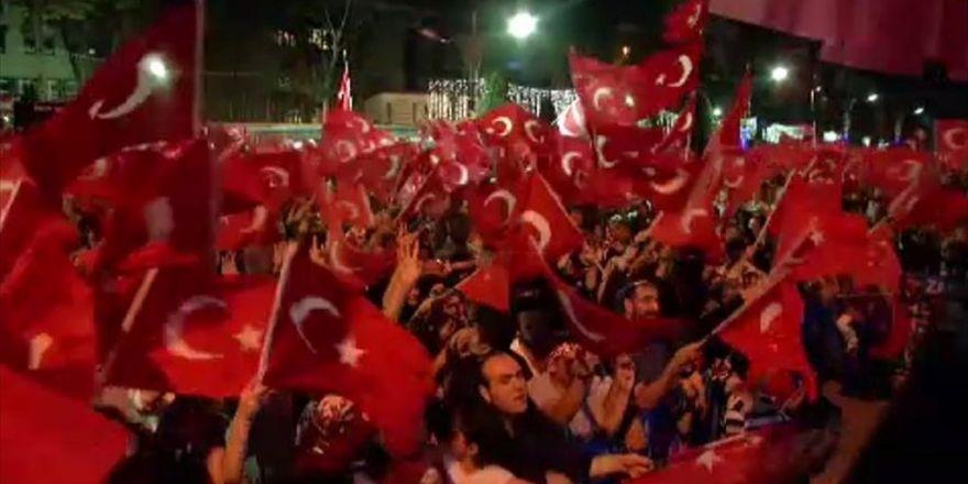 Ümit Besen'den '15 Temmuz Demokrasi Bayramı Marşı'