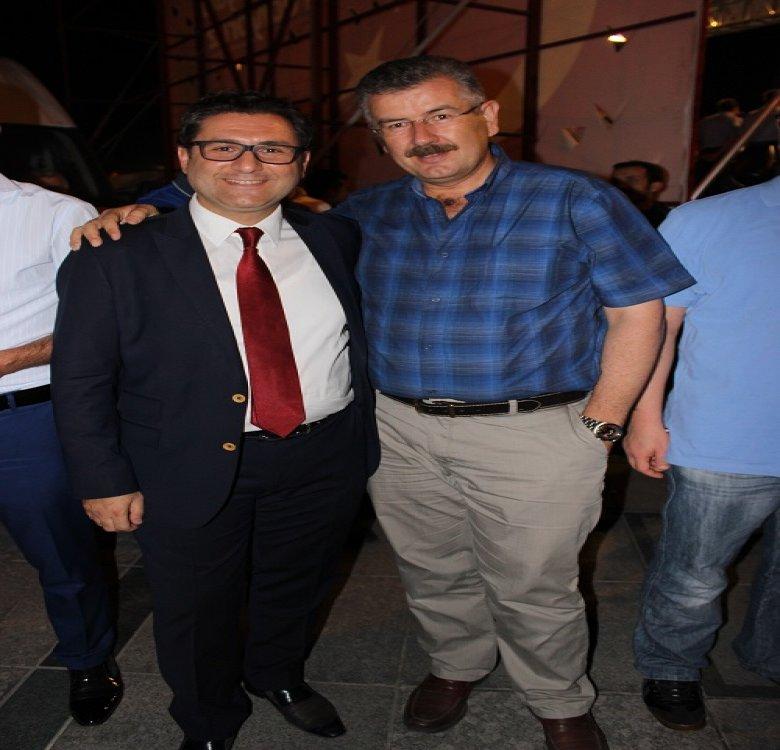 Fatih Özdemir 24 saat takım elbiseli