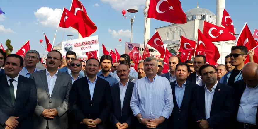 Tüm Türkiye Hep Birlikte El Ele Meydanlarda