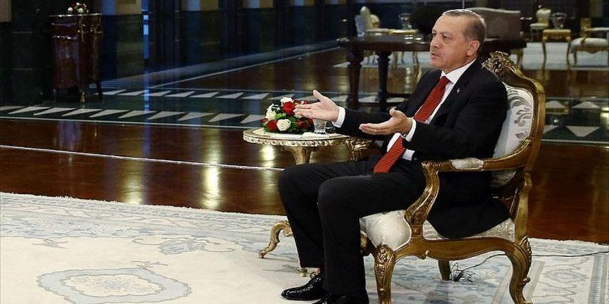 Cumhurbaşkanı Erdoğan Le Monde'a Konuştu: Batı Türkleri Yalnız Bırakmayı Tercih Etti