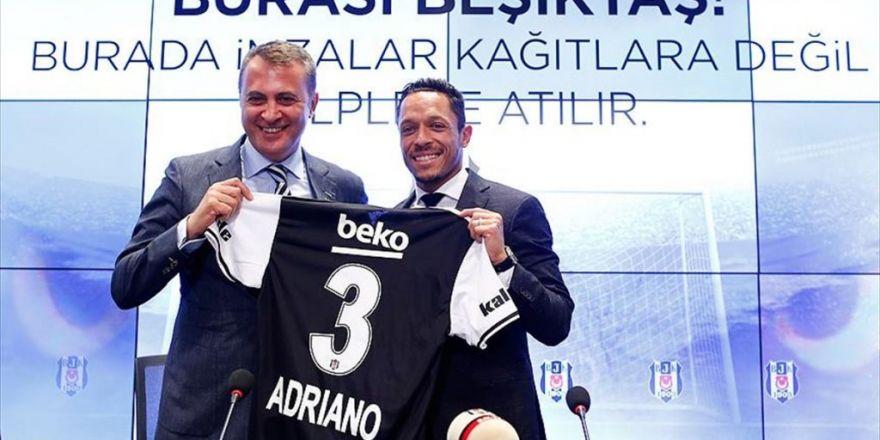 Beşiktaş'ta Adriano'ya Görkemli İmza Töreni