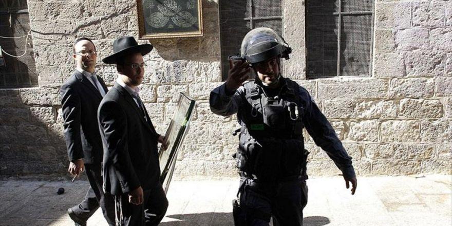 45 Yahudi Yerleşimci Mescid-i Aksa'nın Avlusuna Girdi