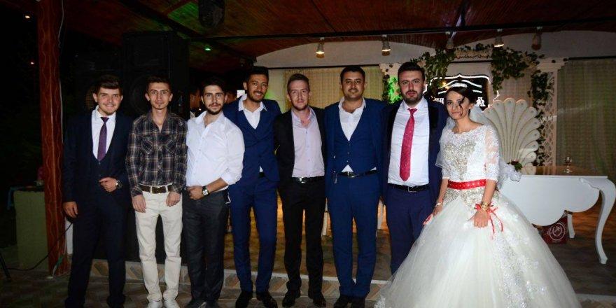 Tuğba Nur ile Süleyman evlendi