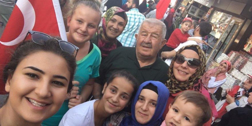 Katırcı ailesi Mevlana Meydanı'nda