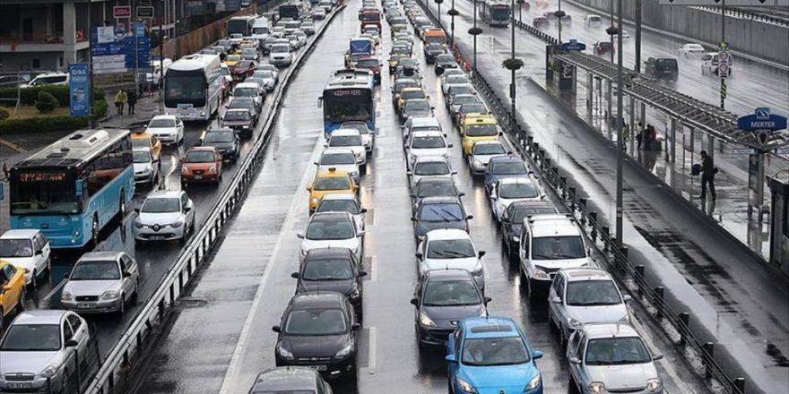 Trafik Sigortasında Prim Düşüşü Sürüyor