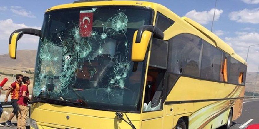 Galatasaraylılar'dan Beşiktaşlılara saldırı