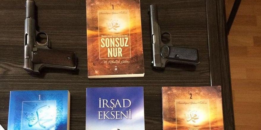 Pkk Operasyonunda Gözaltına Alınan Zanlının Evinden Fetö Elebaşının Kitapları Çıktı