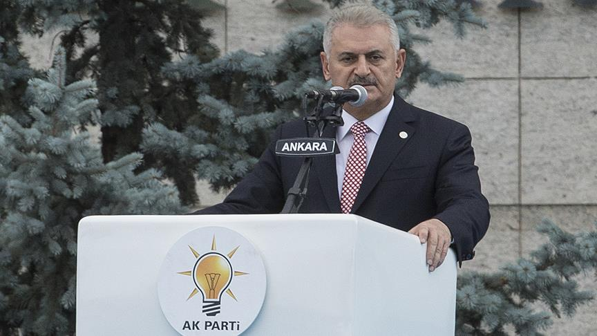 Yıldırım: AK Parti milletle birlikte meydanı vatan hainlerine bırakmadı
