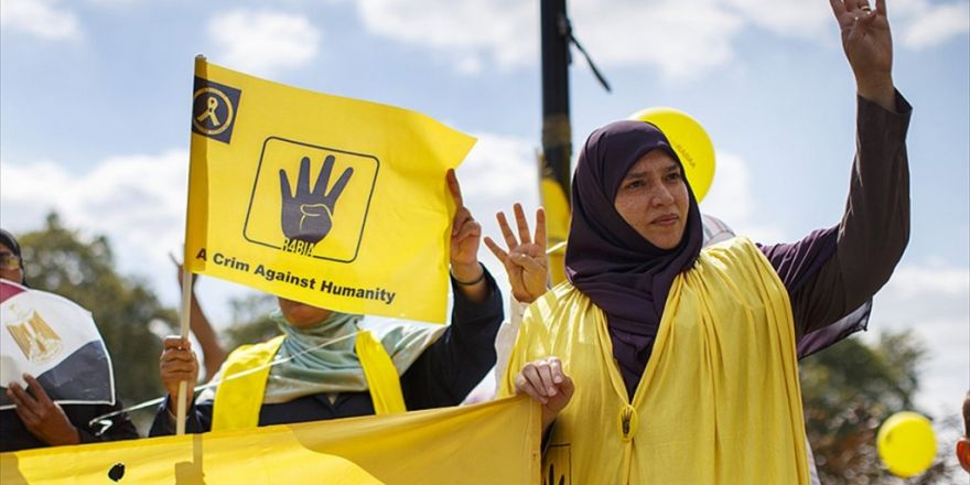 Rabia Katliamı Londra'da Protesto Edildi