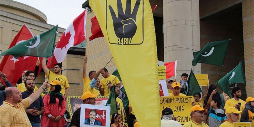 Kanada'da Yaşayan Mısırlılar, Rabia Katliamını Protesto Etti