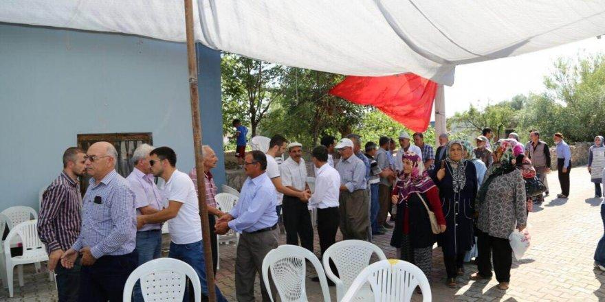 Ereğli Belediyesi Şehit Ömer Halisdemir'in kabrine otobüs kaldırdı