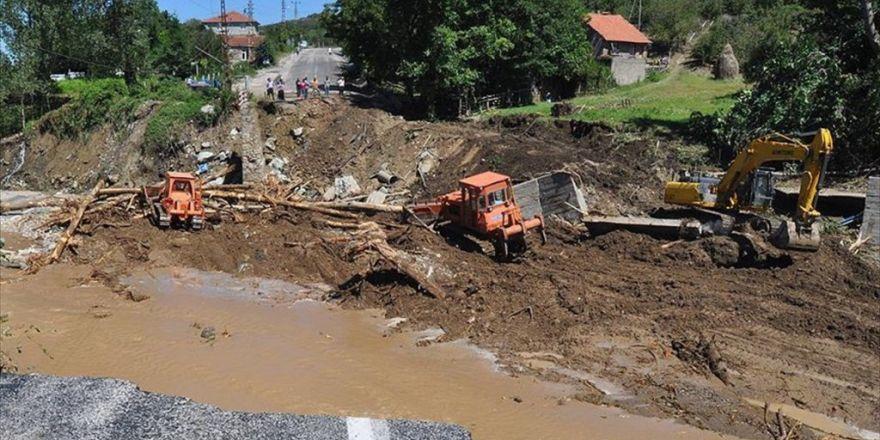 Bartın'da Sel Sonrası Başlatılan Çalışmalar Devam Ediyor
