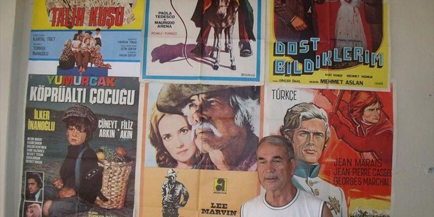 Eski Sinema Makinisti 15 Bin Film Afişi Biriktirdi