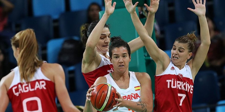 A Milli Kadın Basketbol Takımı Rio'ya Veda Etti
