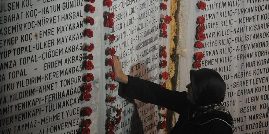 Marmara Depremi'nde Ölenler İçin Anma Töreni
