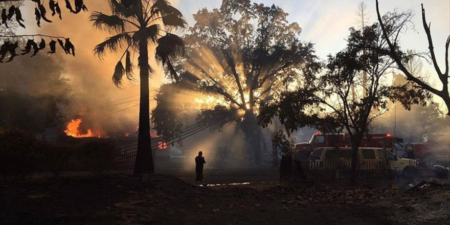 Abd'de Yangın Nedeniyle 82 Bin Kişi Tahliye Edildi
