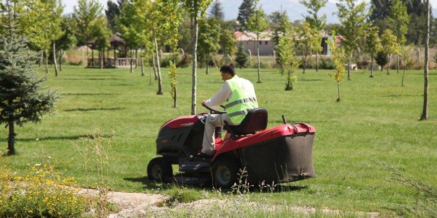 Seydişehir Belediyesi'nin temizlik çalışmaları sürüyor