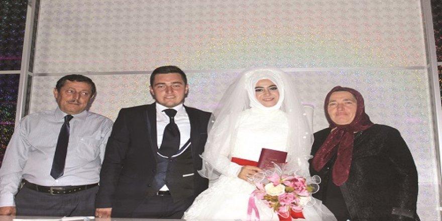 Süreyya ve Mehmet Cemil'in mutlu günü